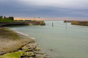 Lekker weg in het naseizoen. B.v. Normandie